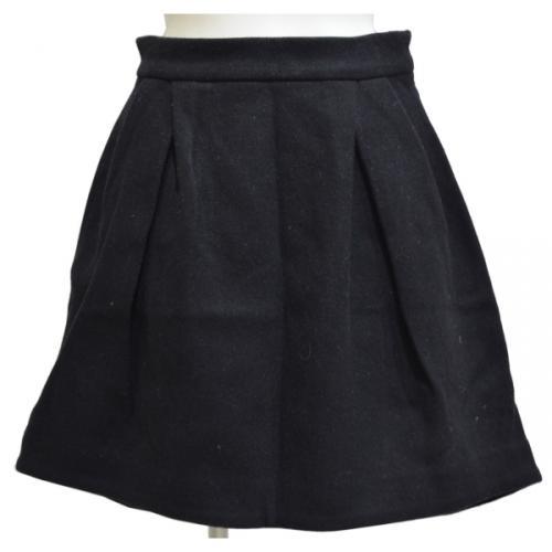 ウールアンゴライレギュラーヘムスカートの写真