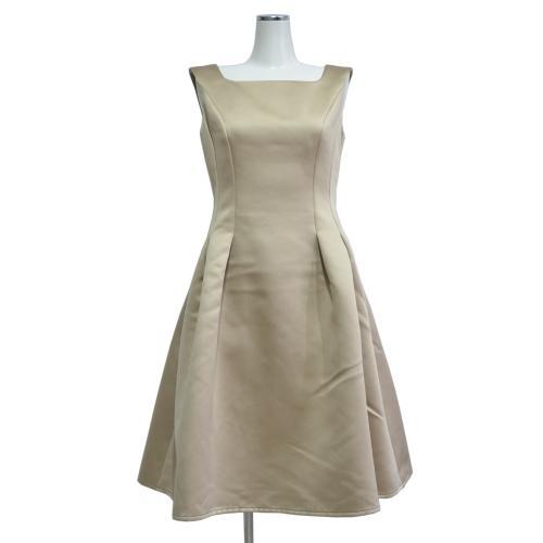 ドレス キャロラインの写真