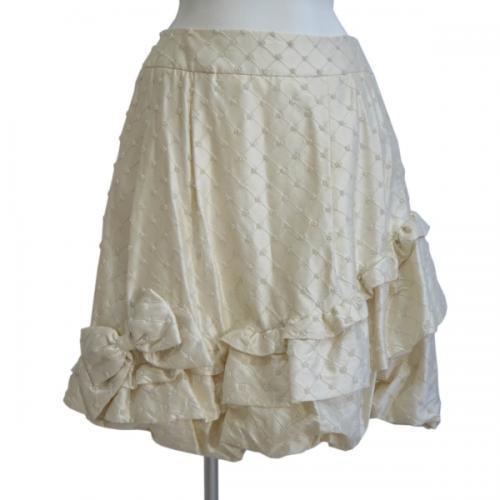 ビジューリボンスカートの写真