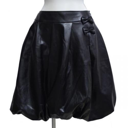 レザーバルーンスカートの写真