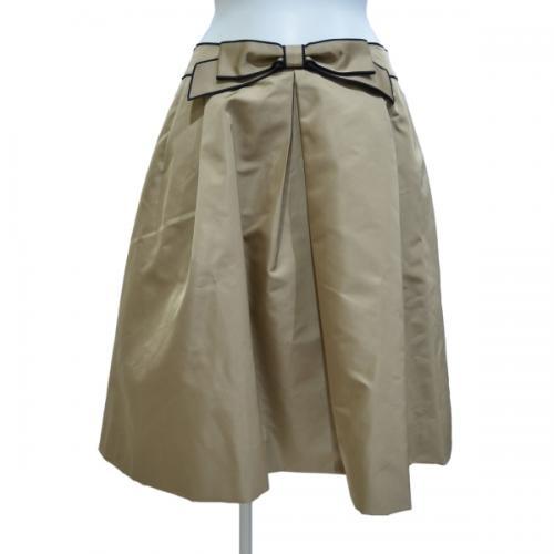リボンシェイプスカートの写真