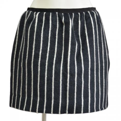アンゴラストライプスカートの写真